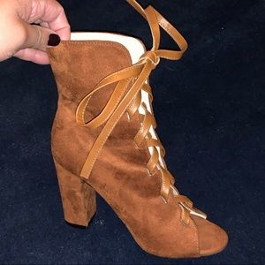 Shoes - Tan Boots Size 6